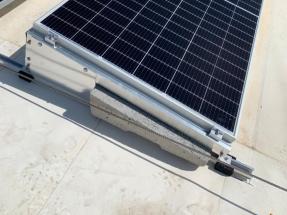 Instalación solar fotovoltaica para autoconsumo sobre cubierta... no perforable