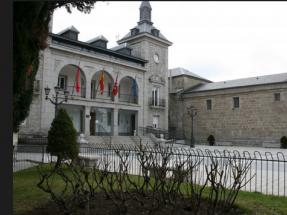El Ayuntamiento de Alpedrete esconde el sol