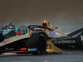 Calienta motores la Fórmula E en el circuito de Cheste