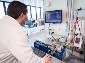 ¿Cómo aprovechar la vibración de una lavadora para producir electricidad?