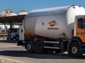 """Ecologistas en Acción otorga a Repsol su """"Caballo de Atila"""" por su política a favor del gas"""