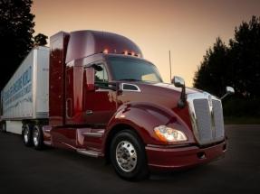 Toyota presenta la segunda versión de su camión de pila de combustible cero emisiones