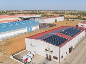 Embutidos Manolo, primera cárnica española en certificar con Bureau Veritas su producción de energía solar con el sello ECO20