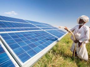 Bloomberg alerta de que la energía limpia crece menos de lo debido en los países emergentes