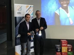 Una fundación vasca anuncia que pondrá en marcha 200 instalaciones solares en escuelas y hospitales de África
