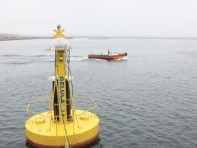 La boya gallega para obtener energía de las olas empieza a operar en aguas de A Coruña