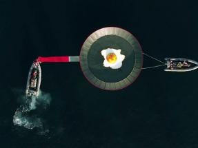 Greenpeace denuncia el calentamiento global frente a la costa de La Manga