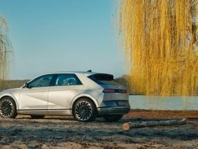 El primer modelo de la nueva gama eléctrica de Hyundai ofrece una autonomía de casi 700 kilómetros