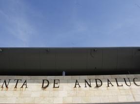 Andalucía destina 500 millones de euros a la compra de electricidad de origen 100% renovable