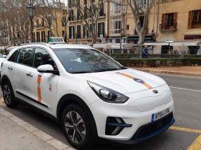 Baleares estrena sus dos primeros taxis eléctricos