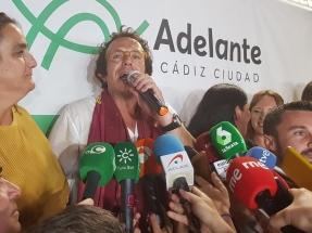 El único alcalde del cambio que ha aguantado es el que se define como anticapitalista