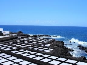 La isla canaria en la que la electricidad le cuesta a cada habitante 635 kilos de diésel al año