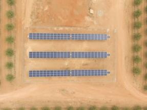 Emplear energía solar para bombear agua de riego rebaja el gasto eléctrico de las explotaciones agrícolas hasta un 85%