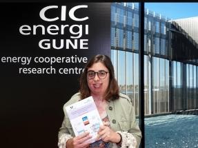 Maider Zarrabeitia, galardonada con el Premio Extraordinario de Doctorado de la UPV/EHU por su tesis sobre baterías de ion de sodio