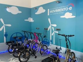 Endesa pone en marcha un sistema de préstamo gratuito de bicicletas y patinetes eléctricos para sus empleados