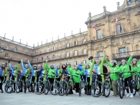 La caravana ciclista Moving for Climate NOW parte de Salamanca con rumbo a la CoP25 de Madrid