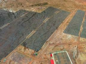 Bolivia eleva a cien megavatios la potencia del parque fotovoltaico más alto de toda Suramérica