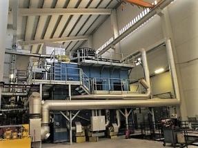La primera planta de trigeneración biomasa/fotovoltaica se amplía con una red de calor