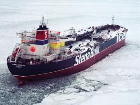 Parlamentarios europeos piden prohibir los combustibles pesados en el Ártico