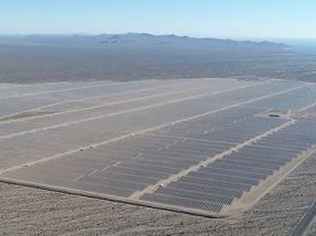Acciona, o cómo instalar en mitad del desierto más de un millón de paneles solares en solo sesenta días