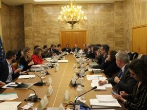 Ribera anuncia la creación de un grupo técnico de trabajo Gobierno-CCAA para el desarrollo de las energías renovables