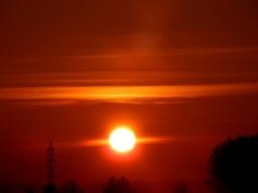 Redes neuronales artificiales para predecir la irradiancia solar global