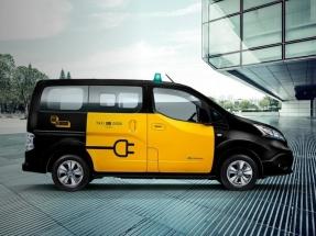 Cataluña: estaciones de servicio de gas natural, 11; estaciones públicas de recarga rápida para vehículo eléctrico, 104