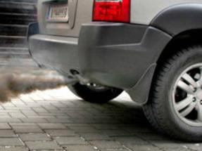 Descubren por qué los vehículos de combustión contribuyen a la formación del smog urbano