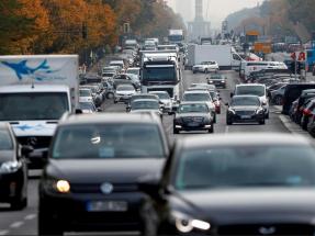 Mayoritario apoyo en Madrid y Barcelona a prohibir la venta de coches de gasoil o gasolina a partir de 2030