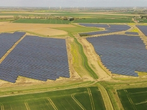 Una empresa alemana y otra noruega reactivan el mercado de los megaparques solares en España