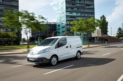Nissan e-NV200 sales soar as UK small businesses electrify their van fleets