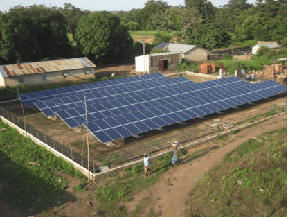 Atersa ilumina con energía solar Fô-Bouré, en Benin