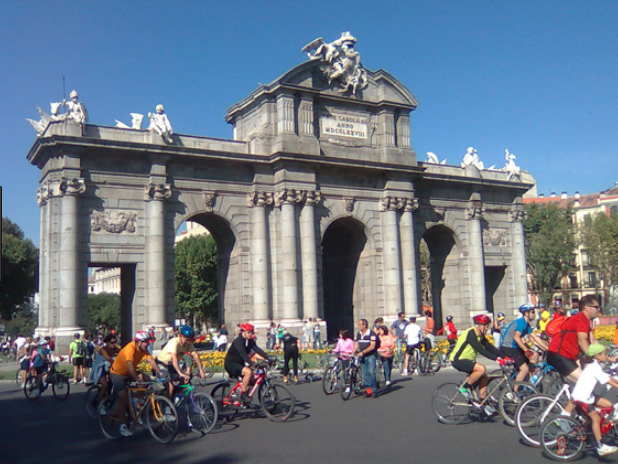 Día Mundial de la Bicicleta: tu ciudad necesita que te muevas a pedales