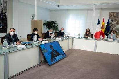 Francia y España firman un acuerdo sobre combustibles sostenibles en la aviación