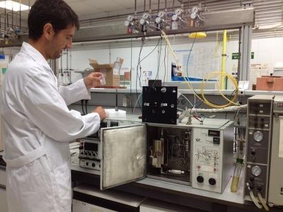 Platino como catalizador y restos de podas como materia prima para biocombustibles
