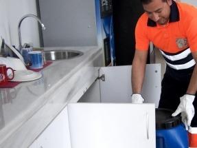 Cáritas renueva la recogida de aceite usado en restaurantes de Córdoba