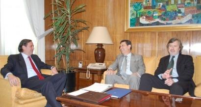 Aebig muestra al secretario de Estado de Medio Ambiente su rechazo al 1/2012