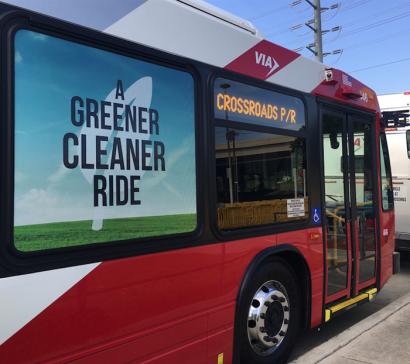 San Antonio: Acuerdo para que en 2021 más de los 500 autobuses de la ciudad funcionen a biogás