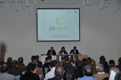 Presentan un proyecto europeo para producir biogás y biodiésel con residuos porcinos