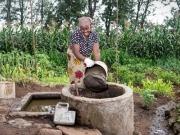Premio para el biogás que mejora la salud de las mujeres africanas