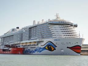 A Barcelona llegan cruceros con gas fósil y a los fiordos noruegos llegarán con biogás