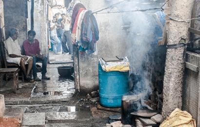 Cocinas en el Himalaya que reducen a la mitad el consumo de leña