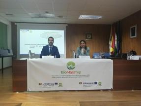 Quién y dónde tiene astilla, cáscaras, hueso, corcho… para biomasa en Andalucía y Portugal