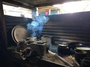 Premiada una investigación sobre el rendimiento de las estufas de biomasa en zonas rurales