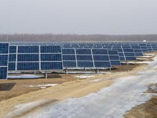 EDPR pone en marcha en Rumanía un innovador sistema de almacenamiento asociado a una planta solar