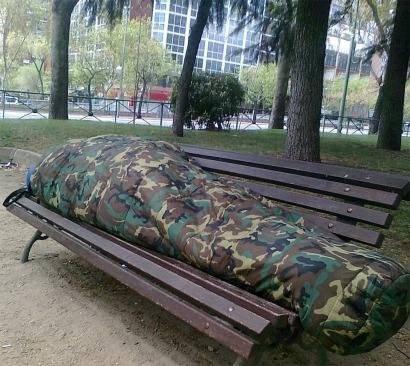 """""""Duermo en un banco frente al Ministerio de Industria"""""""