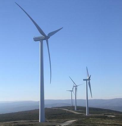 Ribé Salat Broker asegura seis parques eólicos y seis mini centrales hidroeléctricas de Grupo Adelanta