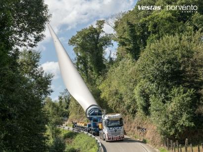 """Norvento recurre al """"bladelifter"""" para reducir el impacto del transporte de palas de aerogenerador"""
