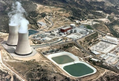 La obsolescencia del parque nuclear español la pagan los parques eólicos