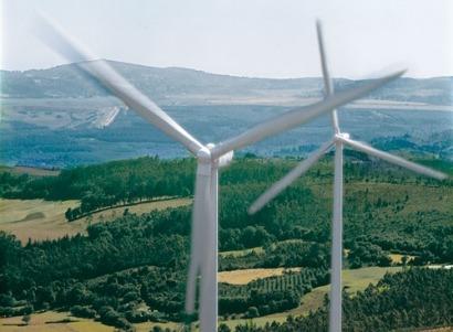 La alta generación eólica de enero frenará subidas de la luz en el 2º trimestre